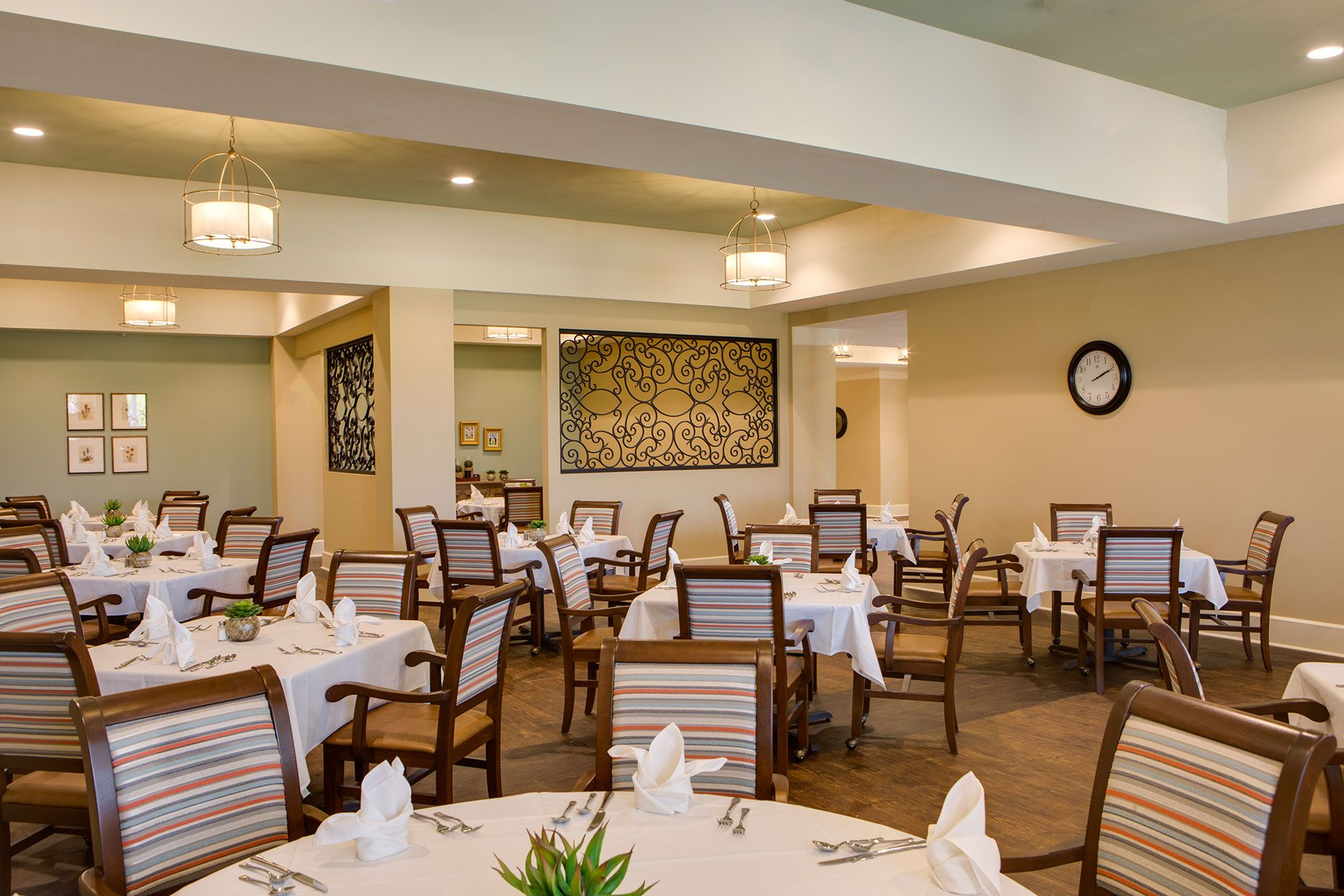 Senior Living Photo Gallery The Delaney At Parkway Lakes